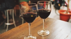 dining-wine-pixabay-400x225